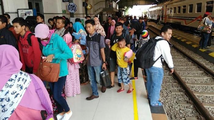 Suasana di Stasiun Kutoarjo hari ini. Foto: Rinto Heksantoro/detikcom