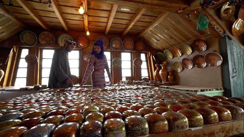 Paper Mashi dan Sufiyana Musiqi, Seni Kashmir yang Ingin Lestari