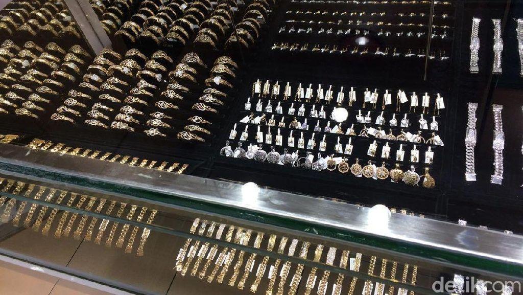 Penjualan Perhiasan Emas Meningkat 50%, Pembeli: Buat Lebaran