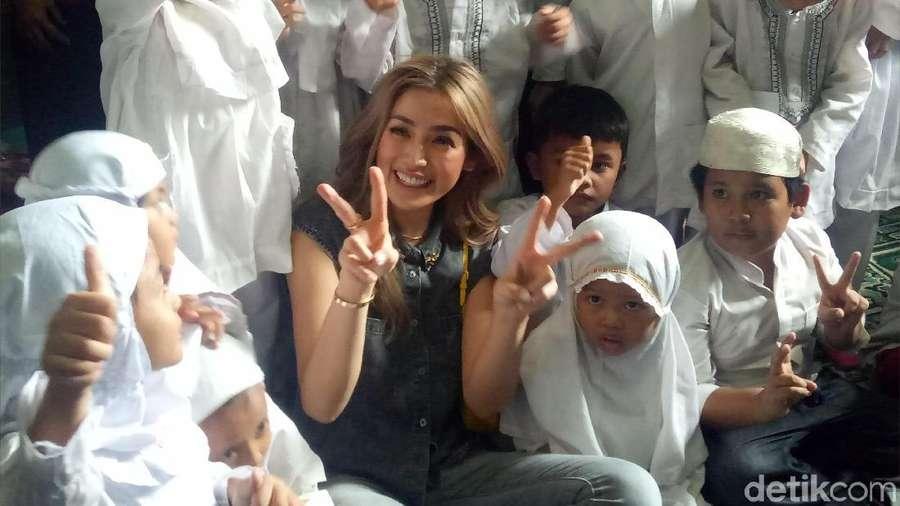 Marion Jola Tetap Kece, Tips Nia Ramadhani Dapatkan Cowok Kaya