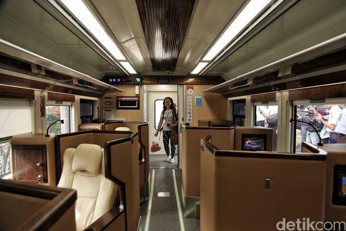 Pagi ini detikFinance ikut menjajal Gerbong KA Sleeper dari Stasiun Kota ke Gambir.