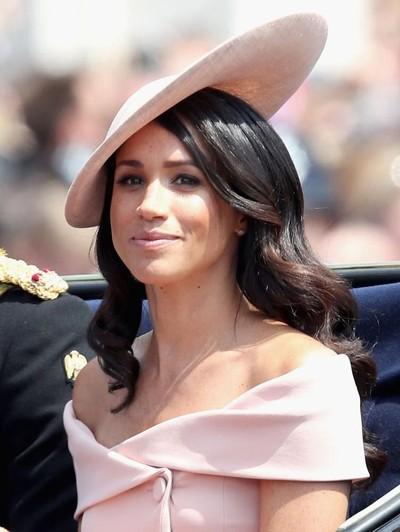 Meghan Markle saat menghadiri acara perayaan ulang tahun Ratu di Istana Buckingham, London.Foto: Getty Images