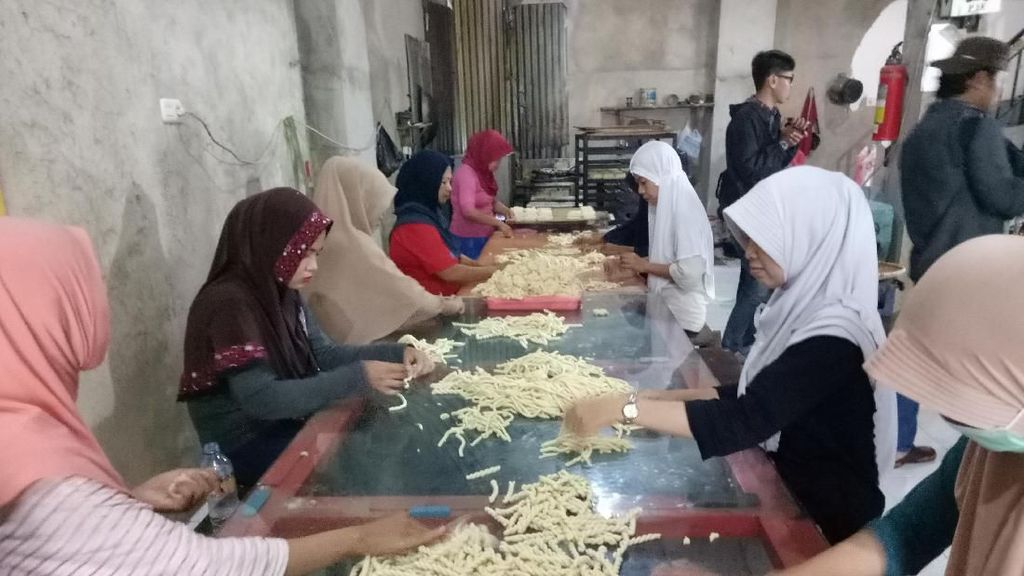 Pengusaha Kue Khas Makassar Raup Omzet Rp 5 Juta/Hari di Ramadan