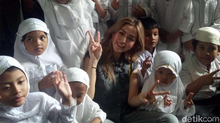 Kisah Berbagi Jessica Iskandar di Ramadan