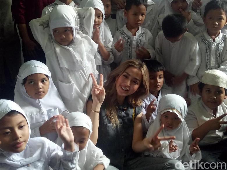 Adopsi Anak, Jedar Rencana Bikin Yayasan Bareng Girls Squad