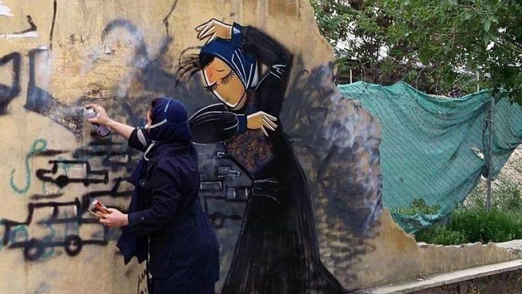 Mengenal Lebih Dekat Shamsia Hassani Si Banksy Asal Afghanistan