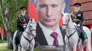 Foto: Polwan Rusia Berkuda yang Viral di Jepang