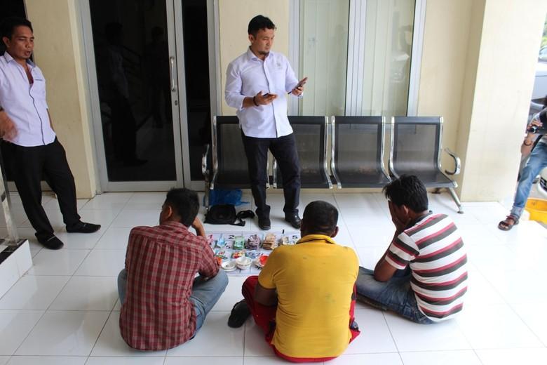 Main Judi Saat Ramadan, 3 Pria di Aceh Ditangkap Polisi