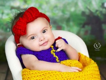 Ya ampun, senyum Putri Salju cilik ini nggemesin banget. (Foto: Instagram/@vanessazibetti_photography)