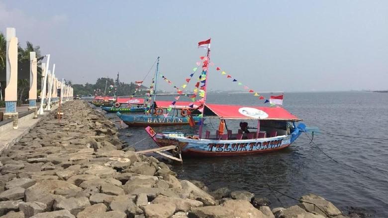 Perahu wisata di Ancol (dok Ancol)