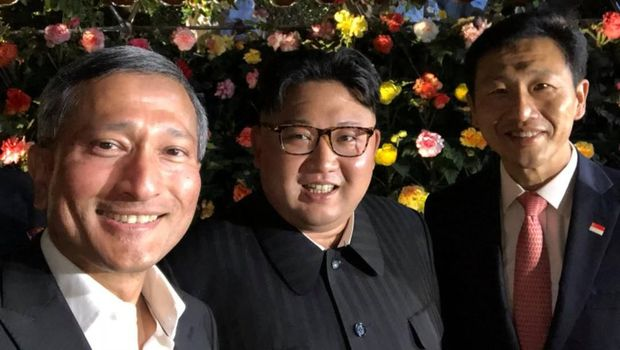 Kim Jong Un berfoto selfie bareng di Gardens by the Bay Singapore