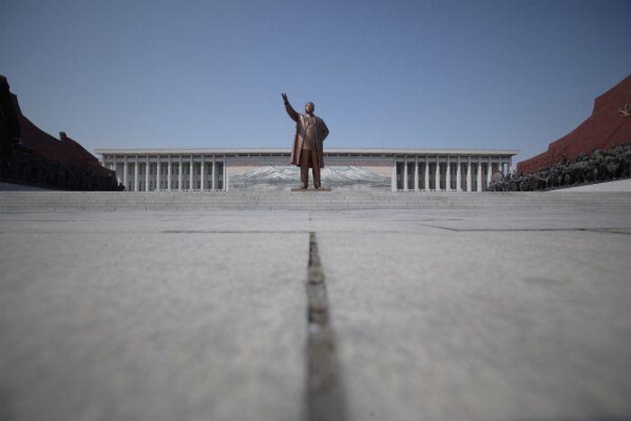 Patung pemimpin Korea Utara di Pyongyang. Foto: Getty Images