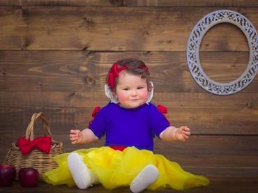Aih, ini dia Snow White berpipi merah dan gembil. (Foto: Instagram/@mira_seshu)
