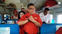 Lepas Pemudik di Stasiun Senen, Sekjen PDIP Sampaikan Salam Mega
