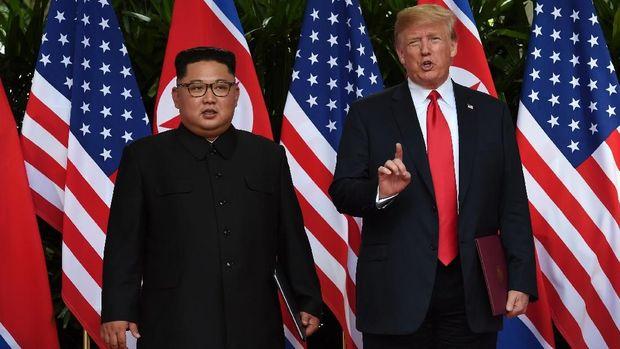 Donald Trump Tiba di Vietnam Temui Kim Jong-Un