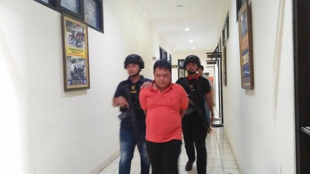Pelaku penipuan calo calon mahasiswa UIN