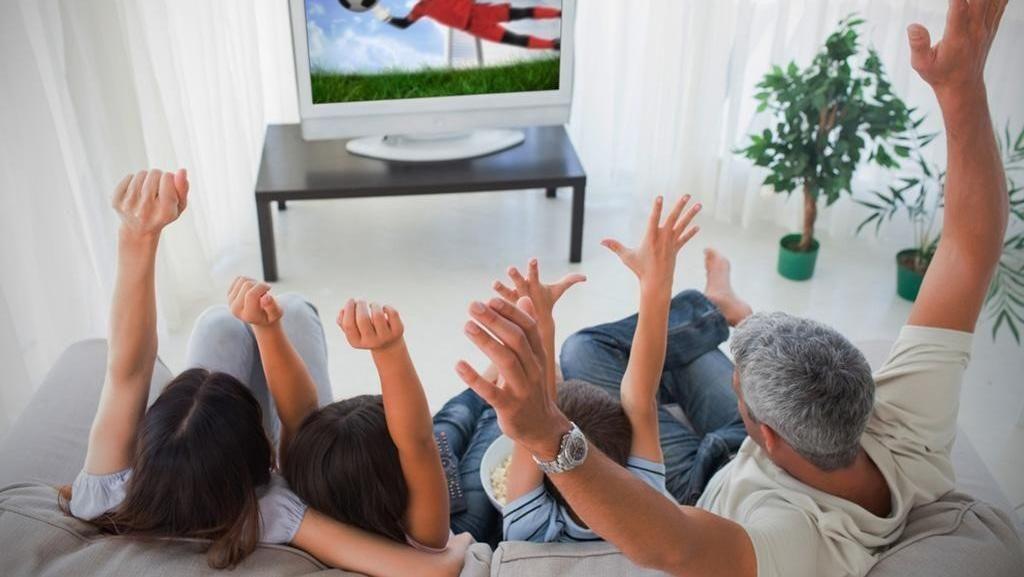 4 Ide Nonton Piala Dunia 2018 Seru Bersama Keluarga
