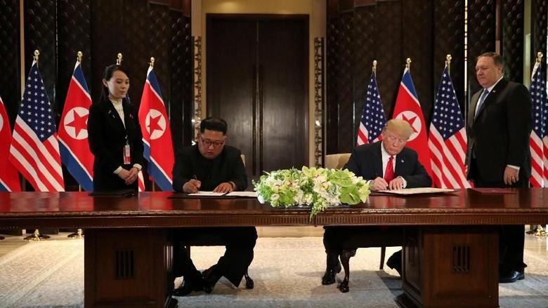 Di Akhir KTT, Trump-Kim Teken Dokumen Penting yang Misterius