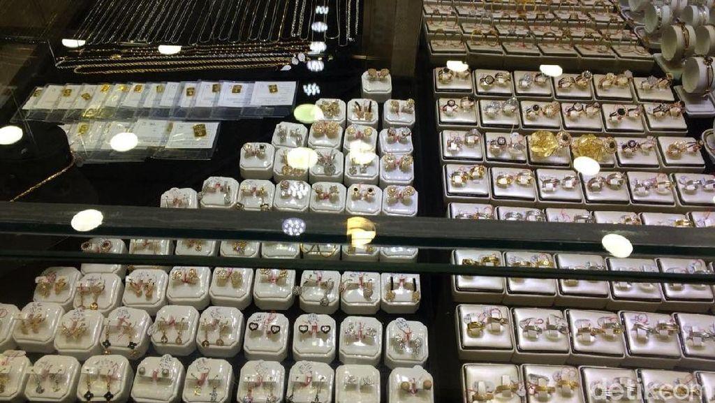 Perhiasan Emas Laris Manis Jelang Lebaran