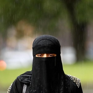 Mulai Hari Ini, Belanda Resmi Larang Warganya Pakai Burqa dan Cadar