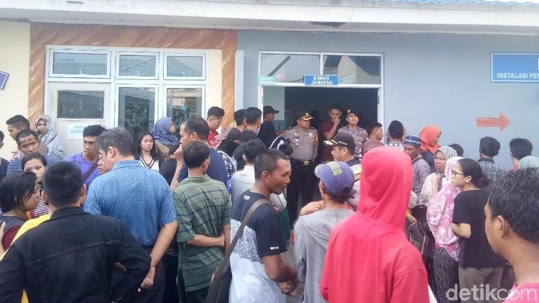 Kelebihan Penumpang, Kapal Motor di Makassar Tenggelam