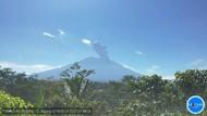 Gunung Agung Erupsi, Abu Membubung 2 Km