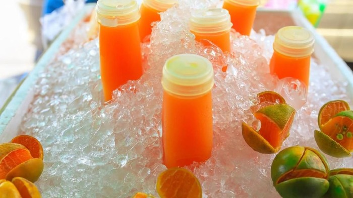 Membekukan jus di freezer sebelum disantap membuat rasanya menjadi lebih nikmat. Foto: ilustrasi/thinkstock