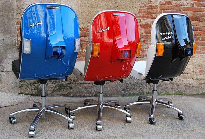 Kursi Vespa ini dibuat oleh Carles Bel dan Jesus Bel di studio workshopnya di Barcelona. Istimewa/Boredpanda.