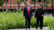 Melihat Lagi Momen Akrab Trump-Kim Jong Un Jalan-jalan di Taman