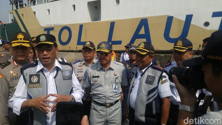 Cek Penyebab Kapal Tenggelam, Menhub Akan ke Danau Toba