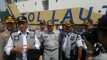 Menhub Bantu Anak 2 Petugas yang Tewas Tertabrak di Tol Cipali