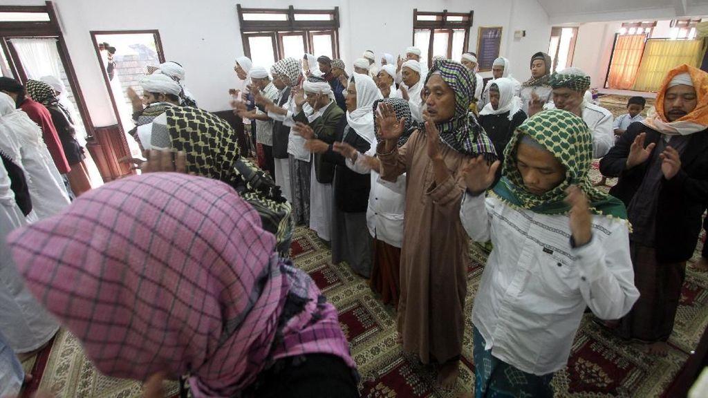 Jemaah Tarekat Naqsabandiyah Lebaran Idul Fitri Hari Ini
