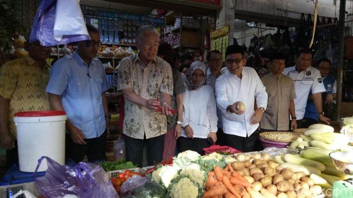 Menteri Perdagangan Enggartiasto Lukita Blusukan di Makassar/Foto: Ibnu Munsir