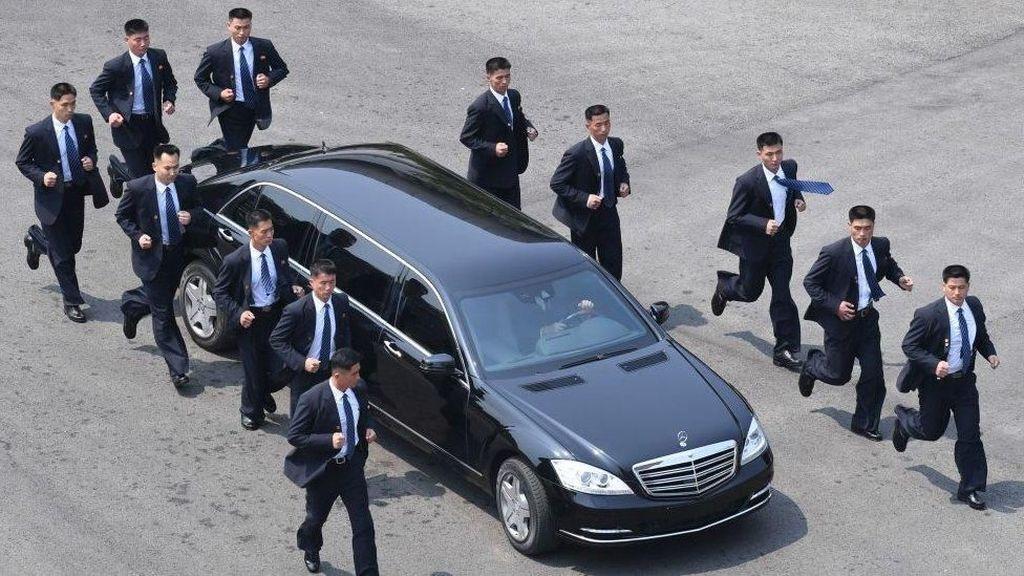 Mobil Kim Jong-Un Jadi WC Berjalan Hingga Penunjang Dokumentasi