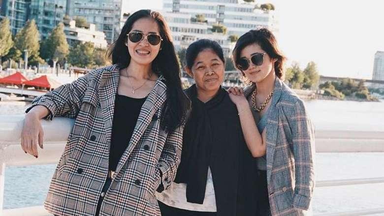 Kompaknya Gracia Indri, Gisela Cindy dan Ibunda Liburan di AS