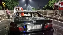 Mobil Sedan Terbakar di Jl Layang Antasari Jakarta Selatan