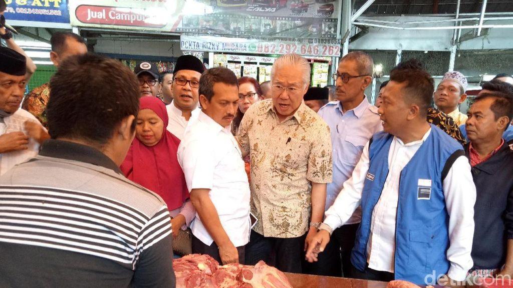Blusukan di Makassar, Mendag Pastikan Harga Pangan Terkendali