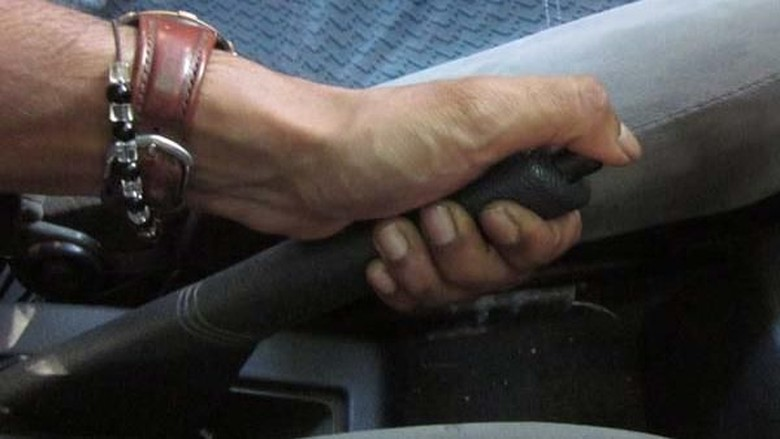 Ilustrasi mobil manual. Foto: Drivespark