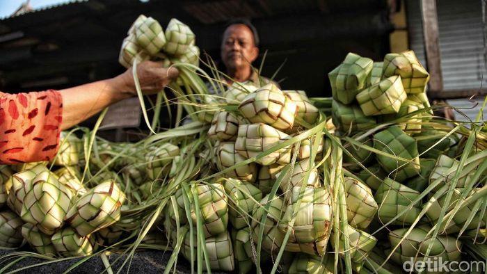 Penjual Ketupat/Foto: Pradita Utama