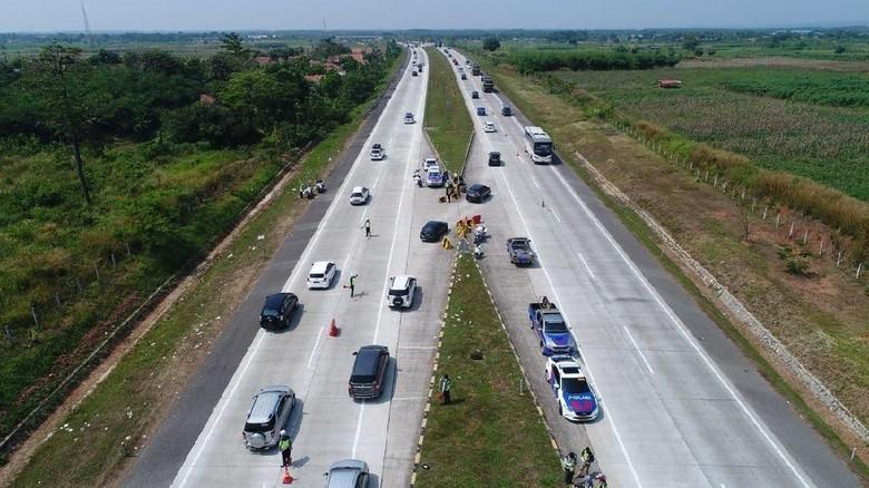 Urai Macet, Tol Cipali Km 162-169 Diberlakukan One Way