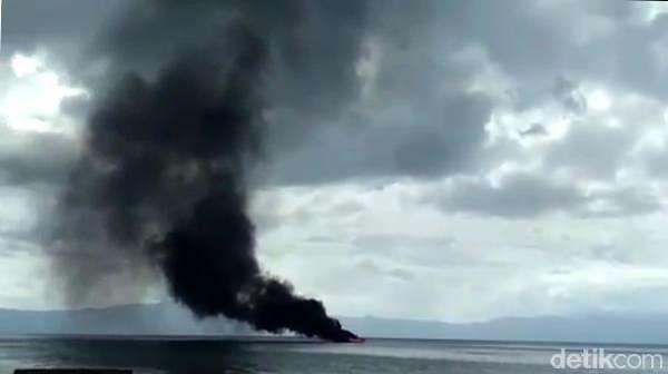 Kapal Pengangkut BBM di Maluku Terbakar, 1 Orang Terluka