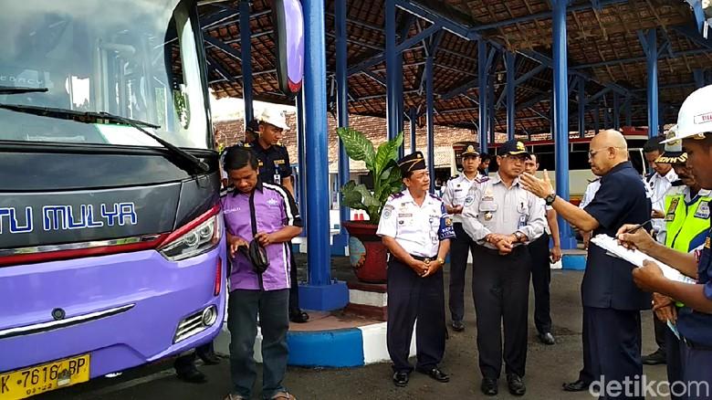 Bus Tak Laik Jalan di Blitar Tak Bisa Ditindak, Ini Sebabnya
