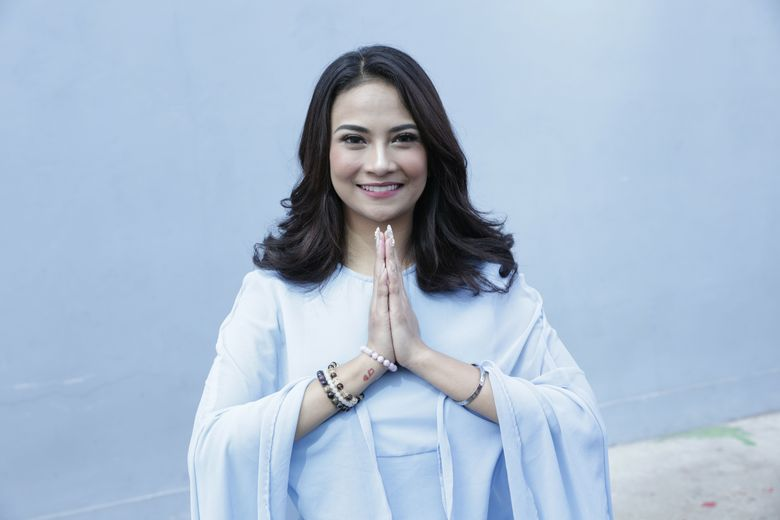 Vanessa Angel tampil berkaftan menyambut lebaran. Foto: Palevi S/detikHOT