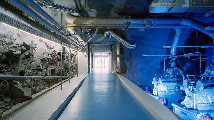 Kantor ini dibuat oleh Albert France-Lanord Architects (AF-LA) sekitar 2007-2008 dengan meledakan 4.000 meter kubik batu padat yang diledakan. Foto: Dok. Albert France-Lanord Architects (AF-LA)