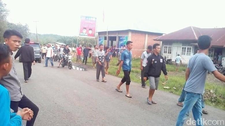 Polisi Duga Bentrok Timses Cabup Empat Lawang karena Saling Sindir