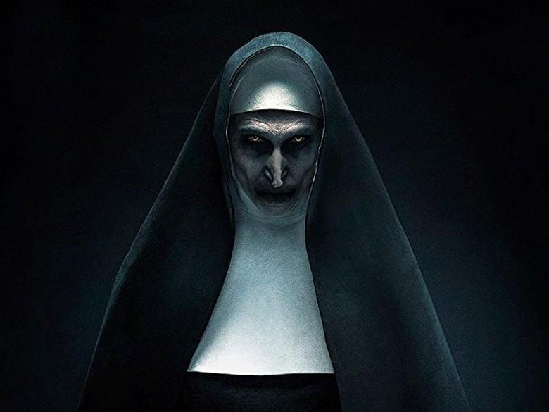 Seram! Ini Deretan Poster Horor The Nun yang Mencekam