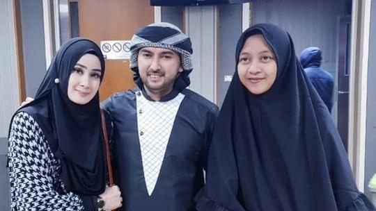 Cerai dari Putri Aisyah, Kini Ada Yuyun Wahyuni yang Dampingi Ustad Al Habsyi