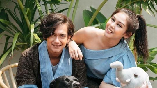 Kemesraan dengan Vanesha Prescilla yang Bikin Adipati Dolken Dibully