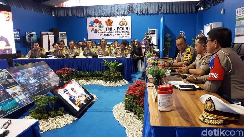 Usai Pantau Arus, Kapolri Rapat soal Mudik di Posko Cikopo