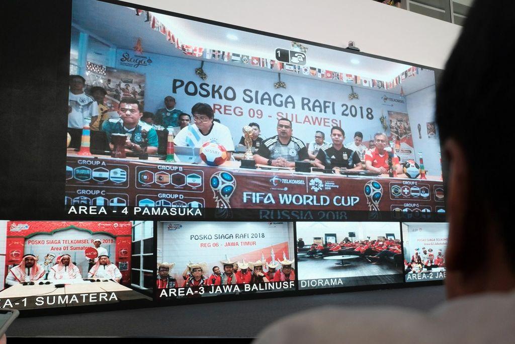 Manajemen Telkomsel di Jakarta melakukan kegiatan video conference dengan perwakilan Area wilayah operasional yang berada dari Sumatera hingga Papua dalam rangka memastikan kesiapan seluruh karyawan Telkomsel dalam memastikan ketersediaan jaringan dan layanan prima bagi pelanggan Telkomsel menjelang Hari Raya Idul Fitri 1439 H, Kamis (14/6/2018). Foto: dok. Telkomsel